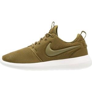 Nike Sportswear ROSHE TWO Baskets basses olive flak/sail/dark loden