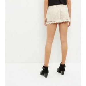 New Look Cremeweiße Häkel-Shorts