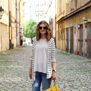 Look de Stripe cardigan à Glami €
