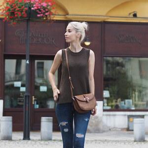 Look de Bleu jean à Clara €