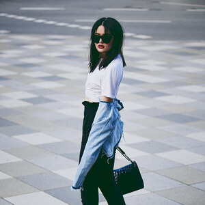 Look Blue Jeans – White Shirts von the-second-face.com