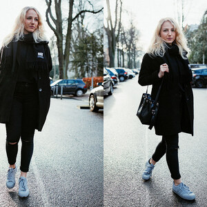 Look OUTFIT: All Black And Grey Kicks - MY EVERYDAY UNIFORM von lillycalling