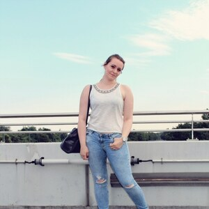 Look Summertrends: Crop Top & Ripped Jeans & CLUSE Watch von notanotherfashionblog