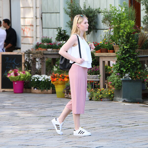 Look Outfit: Light Colors – How to style Culottes von Olivia