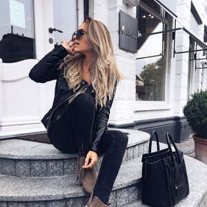 Look All black and boots von user0