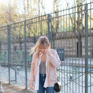 Look de Bomber rose, body dentelle et basket lapin à sp4nk €