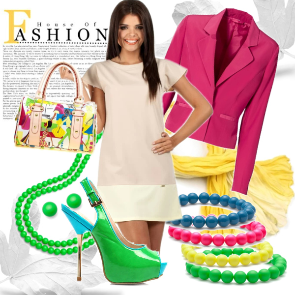 Simply dress, crazy accessories