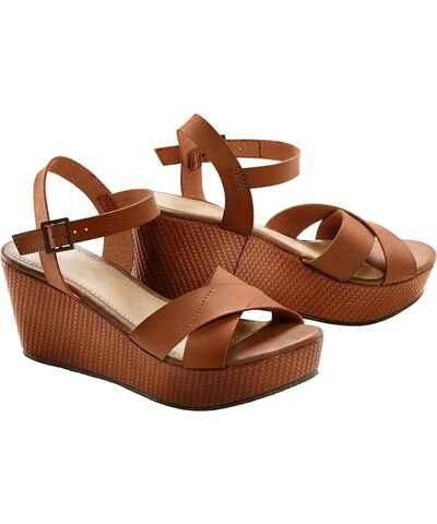 e413228400e Vínové dámské boty