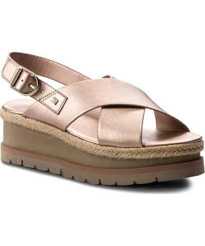 b42162a52275 Ružové Zlacnené Dámske topánky na platforme - Glami.sk