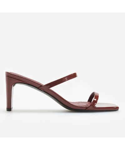 1b00c7d22a92 Vínové dámské sandály na podpatku