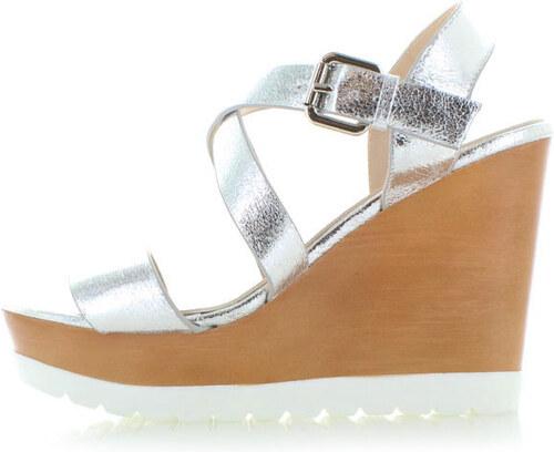 1f25a1cbf055 Belle Women Strieborné platformové sandále Nellos - Glami.sk