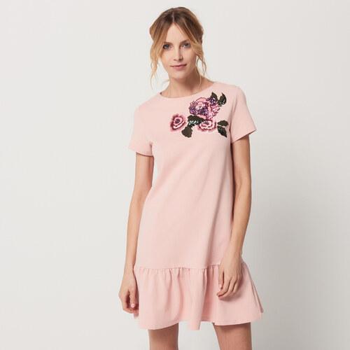 Mohito - Šaty s vyšívaným zdobením a volánkem - Růžová - Glami.cz 6998da2d647