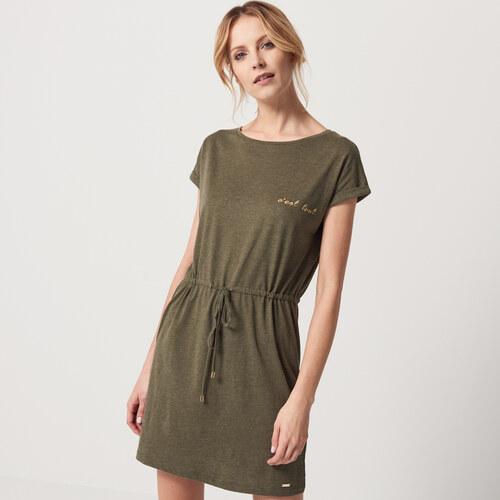 e4914f9c7123 Mohito - Úpletové šaty s lesklým nápisom - Zelená - Glami.sk