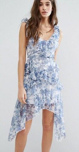 750764e87f7 Boohoo vzdušné letní modro-bílé šaty s volánky - Glami.cz