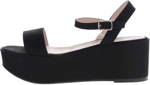 d6f9d1f5b11f0 Čierne remienkové sandále v semišovej úprave na platforme OJJU ...