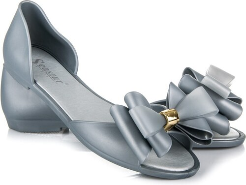 5b9f90c8506d Gumené sandále s bohatou mašľou - Glami.sk