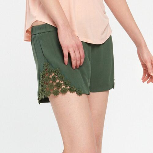 Cropp - Látkové šortky - Zelená - Glami.sk 2840d4e9a5