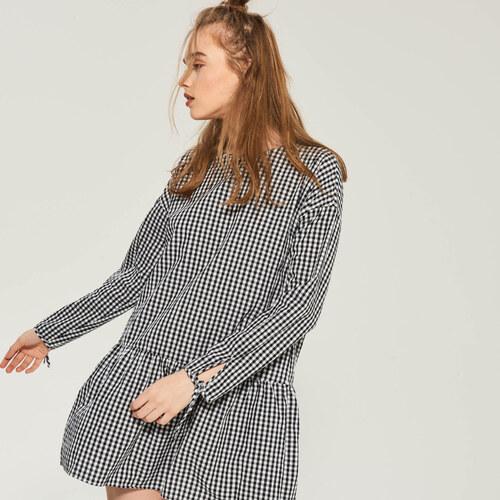 Sinsay - Kárované šaty s volánom - Čierna - Glami.sk 85ba922ad3f