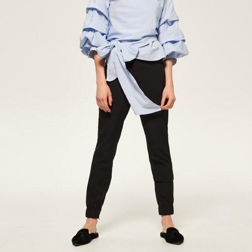 833db0660f90 Reserved - Elegantné nohavice s elastickým pásom - Čierna - Glami.sk