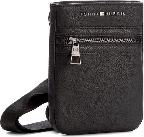 Válltáska TOMMY HILFIGER - Essential Compact Crossover AM0AM01262 Black 002 d36811bade