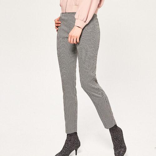 a687d94fbfdd Reserved - Vzorované nohavice so zvislými švami - Viacfarebn - Glami.sk