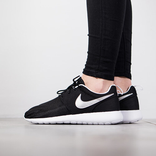 Nike Roshe One (GS) női cipő 599728 021 - Glami.hu c4b20d82d9