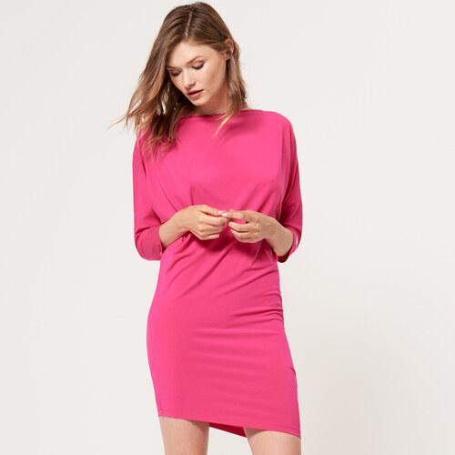 Mohito - Přiléhavé šaty s jednoduchým výstřihem - Růžová - Glami.cz 401d0689341