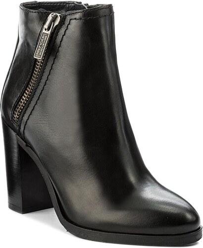 d94d323837 Členková obuv TOMMY HILFIGER - DENIM Ganett 4A FW0FW01353 Black 990 ...