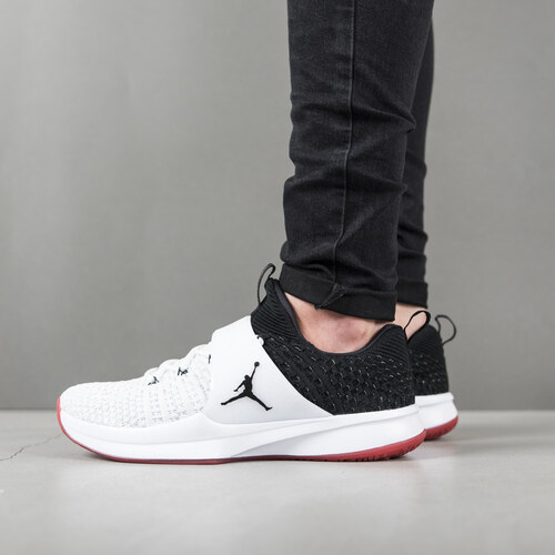 e64ff4e2c4 Jordan Trainer 2 Flyknit férfi cipő 921210 101 - Glami.hu