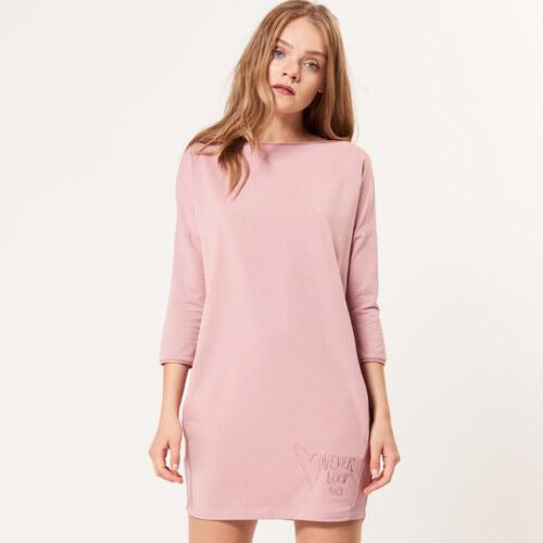 970526b126c3 Mohito - Úpletové šaty s vreckami - Ružová - Glami.sk