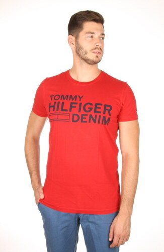 Tommy Hilfiger pánské červené tričko Basic - Glami.sk b4ad8988f0f