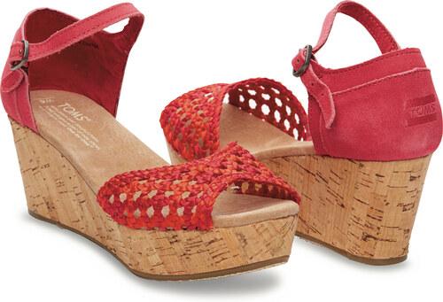 3b46695562bf Červené dámské saténové sandálky na klínku TOMS - Glami.cz