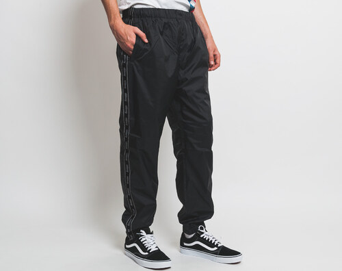 Kalhoty Stussy Nylon Warm Up Pant Black - Glami.cz 79fcaef41a