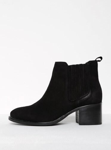 Černé semišové chelsea boty na podpatku Miss KG Samba - Glami.cz 667b48d34b