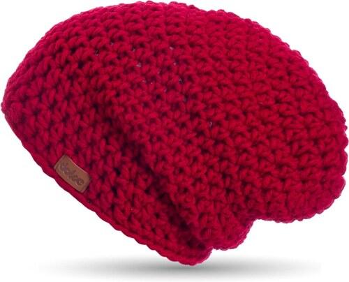 Červená ručně háčkovaná čepice DOKE Mary B - Glami.cz ee801b2517