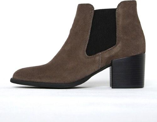 Hnedé semišové chelsea topánky na podpätku Tamaris - Glami.sk 5109e60f87d
