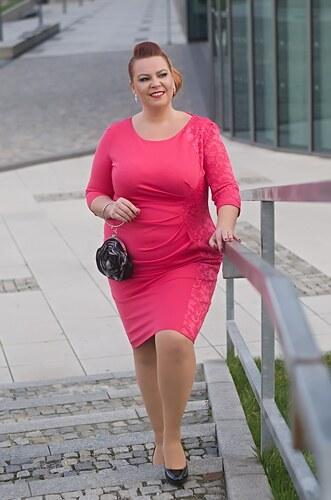 af73be082cb3 Bellazu CG Pouzdrové šaty Lace s krajkovým bokem korálové - Glami.cz