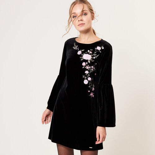 Mohito - Sametové šaty s rozšířenými rukávy - Černý - Glami.cz aa7fd0577b2
