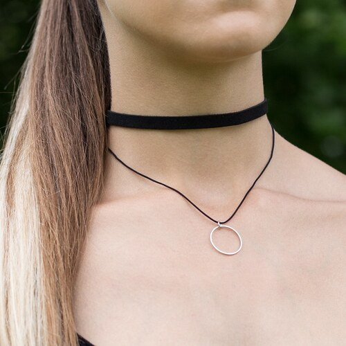 703fe4aef Wayfarer Dámsky náhrdelník choker Ring čierny - Glami.sk