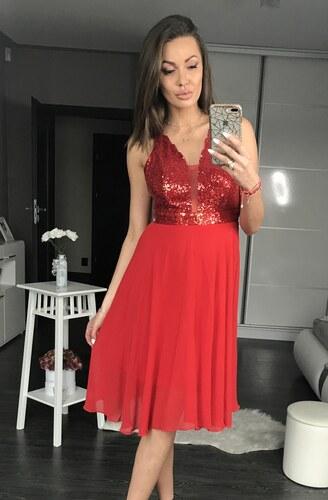 7d5fe9b1d815 PINK BOOM Dámské společenské flitrové šaty středné dlouhé červené ...