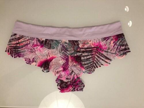 Victoria s Secret Kalhotky Brazilky Date Lace Cheekster - Glami.cz 0cc2769344
