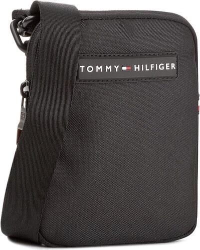 Válltáska TOMMY HILFIGER - Tommy Compact Crossover AM0AM03233 002 ... a346f14696