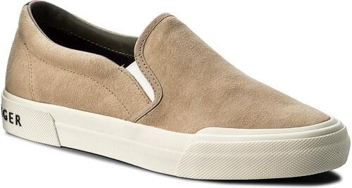 1e15bce0c0 Teniszcipő TOMMY HILFIGER - Heritage Suede Slip On Sneaker FM0FM01355 Sand  102