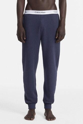 899755a135 Calvin Klein tmavo modré pánske tepláky Jogger - Glami.sk
