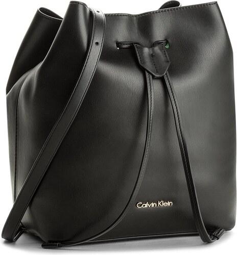 Táska CALVIN KLEIN BLACK LABEL - Rev Medium Bucket K60K603981 001 ... 61b050d64f