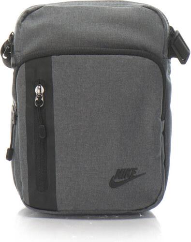 37f10e1d06 Nike Tech keresztpántos kistáska logóval - 3 l - Glami.hu