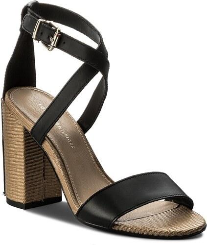 8a289a11add72 Sandály TOMMY HILFIGER - Feminine Heel Sandal Star Stud FW0FW02235 Black 990