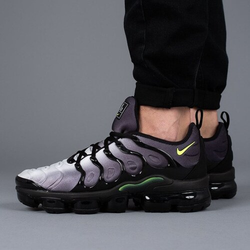 d4850e0d0e Nike Air Vapormax Plus 924453 009 férfi sneakers cipő - Glami.hu