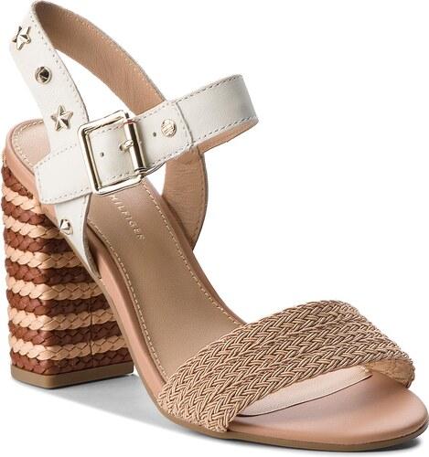 Sandále TOMMY HILFIGER - Feminine Heel Sandal Star Studs FW0FW02254 Whisper  White 121 beca3b48052