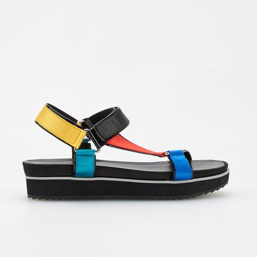 8f875a541ace Reserved - Sandále na hrubej podrážke - Viacfarebn